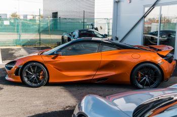 McLaren 720S V8 2dr SSG PERFORMANCE image 3 thumbnail